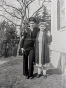[blog-image]-maine-veterans-homes-augusta-veteran-noel-vigue-mother