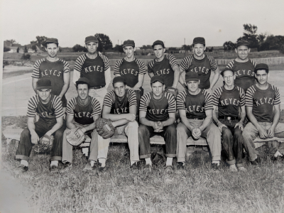 [blog-image]-maine-veterans-homes-augusta-veteran-noel-vigue-ballteam